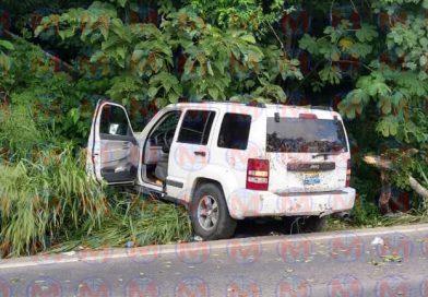 Se registra percance sobre la carretera federal 200